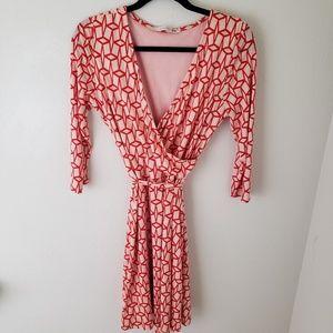 42 HAWTHORNE Coral Renesme Geometric Wrap Dress